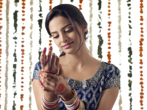 Ten Kinds Of Face Makeup Essentials For Every Indian Bride