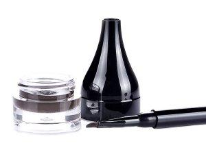 How To Make Your Eyeliner Or Kohl Last Longer