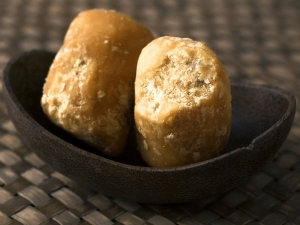 How Jaggery Helps In Weight Loss