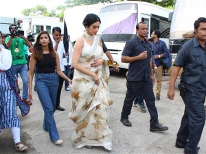 Sridevi Looks Charming With Touch Grandeur