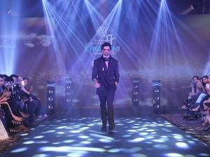 Adah Sharma Hrithik Roshan Were Monochrome Slayers At Tech Fashion Tour
