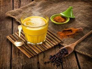Turmeric Milk To Fight Eight Diseases