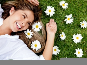 Different Flower Facials To Indulge In This Season