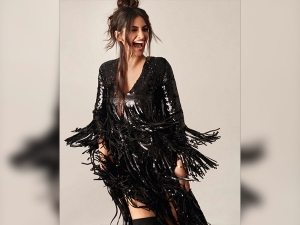 Sonam Kapoor Turned Hotter Black Vogue India S Latest Edition