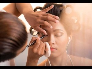 Useful Makeup Tips For The Party Season