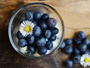 Blueberries: To Tighten Pores And Boost Hair Growth