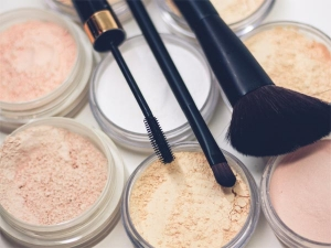 Keep Your Makeup Sweat Proof This Summer With These Makeup Tips
