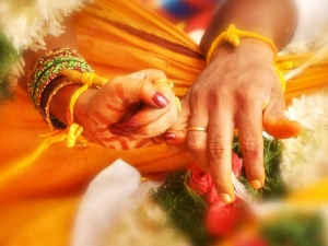 Vastu Tips For A Happy Married Life Tips For Husband Wife Relationship