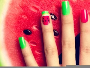 10 Trendy Nail Art For People With Short Nails