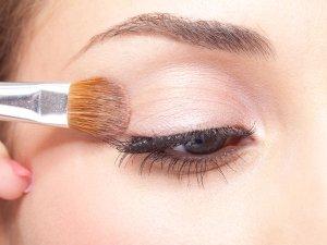 Diy Orange Eye Makeup For A Bold Look