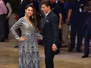Shah Rukh Khan Gauri Gave Stylish Couple Goals At Akash Amba