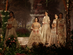 India Couture Week 2018 Yami Gautam S Floral Lehenga Is Per