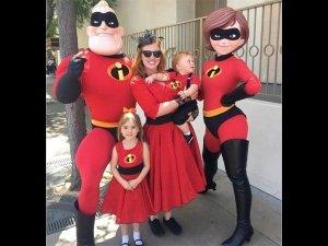 Disney Obsessed Family Visit Disneyland Every Week In Costume