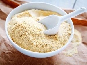 Homemade Green Gram Flour Face Pack For Anti Ageing