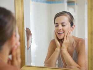 How To Wash Your Face Before Going To Bed