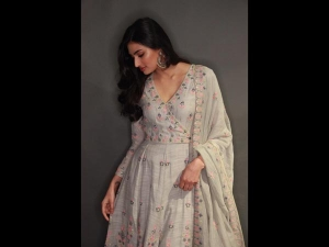 Athiya Shetty Traditional Look Photoshoot