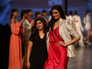 Athiya Shetty Showstopper Lotus India Fdci India Fashion Week New Delhi