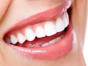 Can You Whiten Your Teeth With Turmeric
