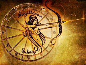 What Each Zodiac Woman Does When Wanting Her Ex Back