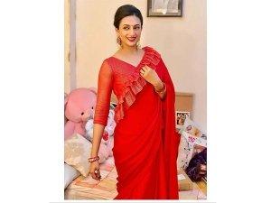 Divyanka Tripathi Dahiya Dussehra Red Sari Photoshoot
