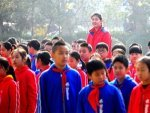 This 11 Year Old Chinese Girl Is Already 6 Ft 7 In 2 10m Tall