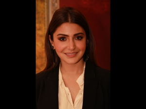 Anushka Sharma Formal Meets Informal Look Zero Promotions