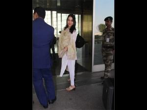Shraddha Kapoor Clicked A Chikankari Suit At The Airport