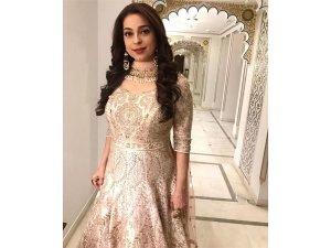 Juhi Chawla S Pink Outfit Pre Wedding Bash Isha Ambani