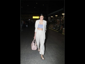 Athiya Shetty S Sassy Airport Look