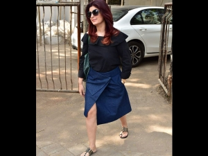 Twinkle Khanna Spotted A Classy Look