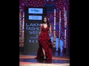 Vaani Kapoor A Ruffled Gown At Lfw Sr