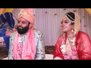 A Couple Sings Kothe Te Aa With Twist At Their Wedding