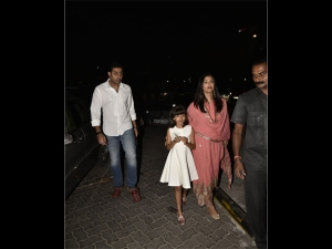 Aishwarya Rai Bachchan Spotted In A Pink Ethnic Suit