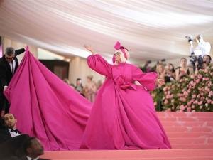 Lady Gaga S Met Gala 2019 Layered Gown