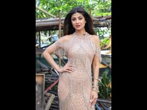 Shilpa Shetty Kundra In A Sparkly Dress For Super Dancer