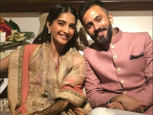 Sonam And Anand S First Anniversary Pic