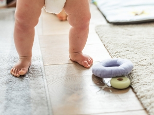 Intoeing And Out Toeing In Toddlers Causes Treatment