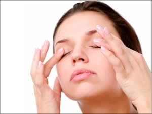 Home Remedies To Get Rid Of Puffy Eyes