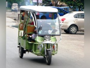 Electric Rickshaws To Improve Lives And Reduce Emissions