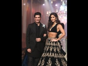 Manish Malhotra S Opening Show At Lakme Fashion Week Winter Festive 2019