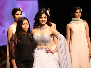Shamita Shetty S Showstopper Avatar At Lotus Makeup India Fashion Week