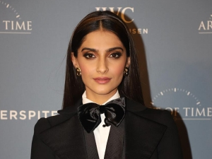 The Zoya Factor Actress Sonam Kapoor Ahuja In A Black Suit At The Iwc Watch Event