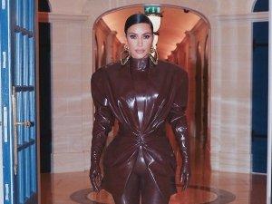 Kim Kardashian S Balmain Pantsuit Look On Her Instagram
