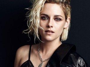 Twilight Actress Kristen Stewart S Unusual Fashion On Her Birthday