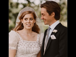 Princess Beatrice S Wedding Gown And Tiara Comes From The Queen S Closet