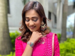 Kasautii Zindagii Kay Actress Shweta Tiwari In A Pre Draped Pink Leheriya Saree