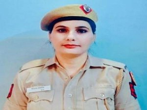 Seema Dhaka Woman Delhi Cop Promotion Tracing 76 Missing Children India