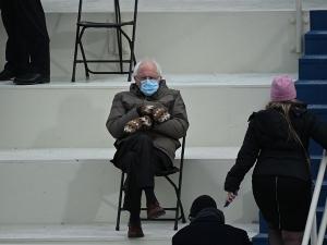 Bernie Sanders Memes And Mittens At Joe Biden S Inauguration Ceremony