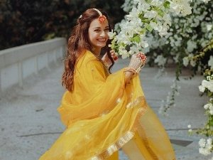 Thappad Actress Dia Mirza S Stunning Pictures From Her Mehendi Ceremony