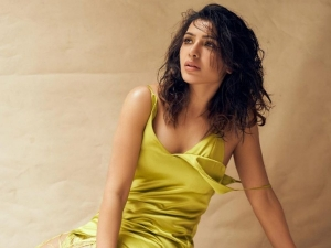Samantha Akkineni's Fringe Yellow Dress Is The Classiest Way To Make Yourself Stand Out At Cocktail Parties